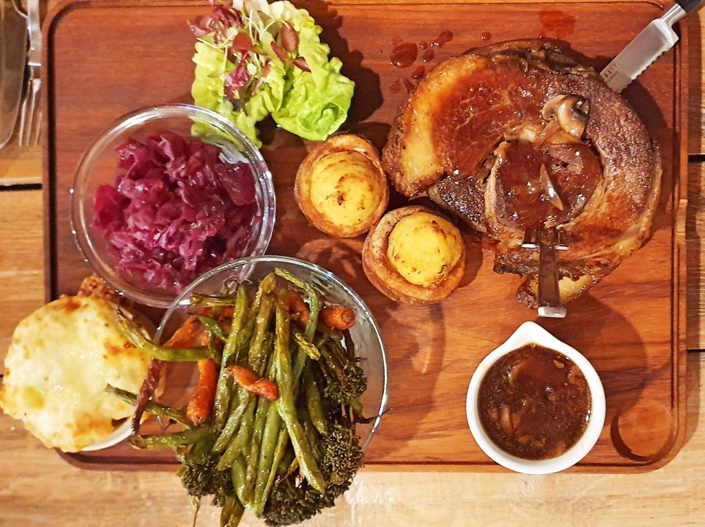 Roast beef platter from above